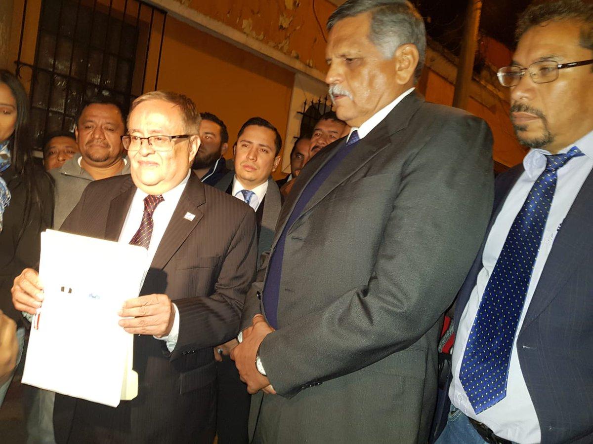 Cinco partidos entregan documentos para inscribir candidatos